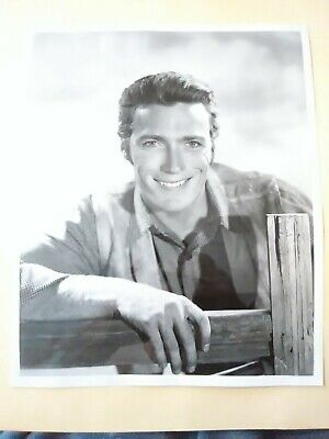 1959 SAHARA LAS VEGAS, NV. RAWHIDE EASTWOOD SIGNED PICTURE GREAT FOR COLLECTION