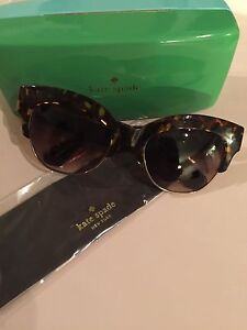 Kate Spade Sunglasses, includes case & cleaning cloth