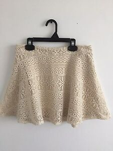 Forever 21 Cream Lace Skirt