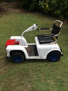 Golf cart vintage Macleay Island Redland Area Preview
