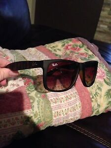 NEVER WORN! Ray Ban Justin Sunglasses.