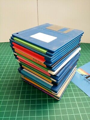 30 x COMMODORE AMIGA  'FLOPPY DISKS '  USED  random disks.. DSDD  sold as blanks