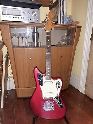 Fender Classic Player Jaguar Special Candy Apple Red 2010