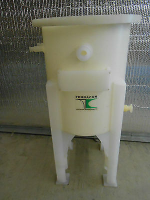 Terracon 50 Liter Cone Bottomed Tank On Integral Stand. No Cover Lid