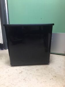 Rubbermaid commercial office size garage can