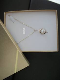 PEARL NECKLACE- BRAND NEW- IN BOX Taylors Lakes Brimbank Area Preview