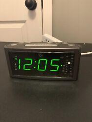 GE Alarm Clock Radio Model 7-4853A Dual Alarm Snooze AM-FM Large Digital