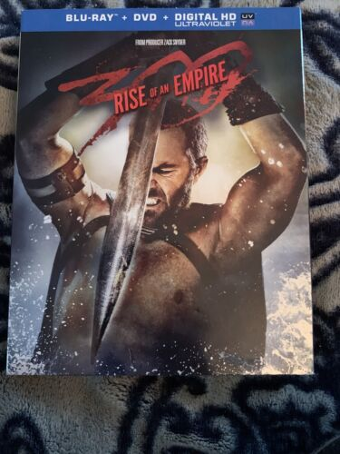 300 RISE OF AN EMPIRE BLU-RAY DVD - $5.00