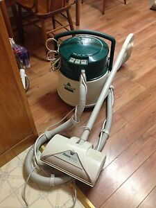 Bissell Powerbrush Plus Canister Carpet Cleaner/ Steam Cleaner