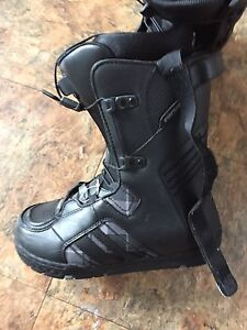 RIDE BOOTS! MENS 8.5 NEVER WORN! 70 OBO!!!