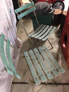SET Of 2 VINTAGE STYLE RETRo~GREEN FOLDING GARDEN CHAIRS