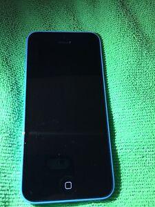 Iphone 5c 16 gig Bleu Telus Koodo Public mobile