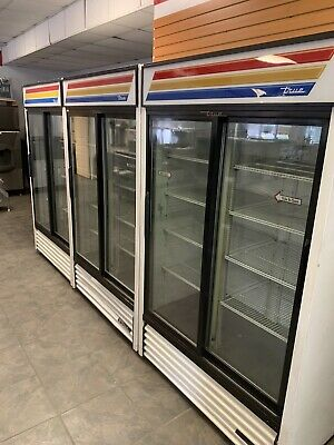 True - Gdm-41- 41 Cu Ft Refrigerated Merchandiser W 2 Sliding Doors- Working