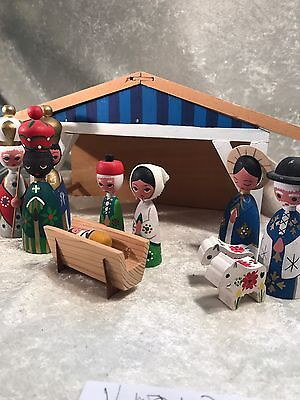 Vintage Hand Painted Wood 12 Piece Christmas Nativity Manger
