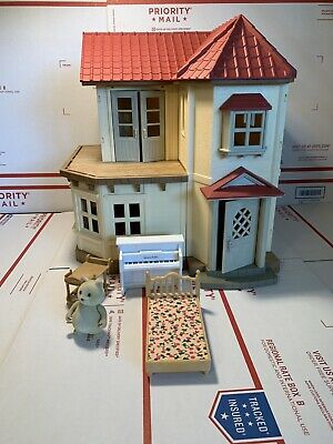 Epoch Co Sylvanian Family Calico Critter Red Roof Light Up Country Doll House