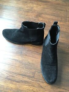 Size 10 Women's Boots
