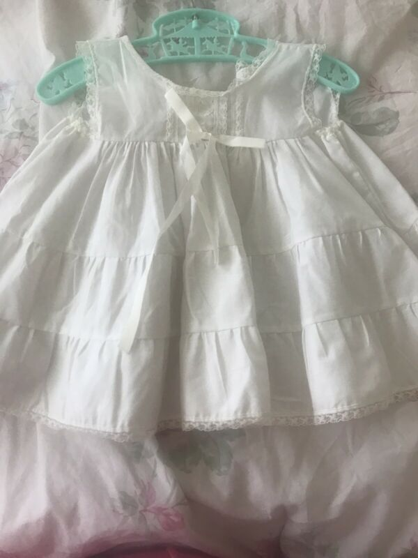 Vintage Baby Girls Her Majesty White Lace Ruffle Slip Dress 12 Month X Pattern