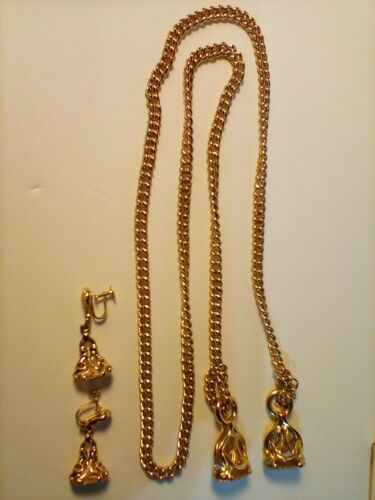 Vintage Gold Tone  Necklace With Earrings