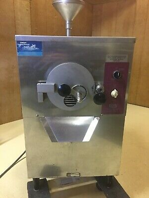 Saniserv B5a 5 Qt Batch Ice Cream Yogurt Counter Top Freezer