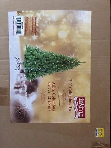 Xmas tree. New! Never used.  Oakville / Halton Region Toronto (GTA) image 1