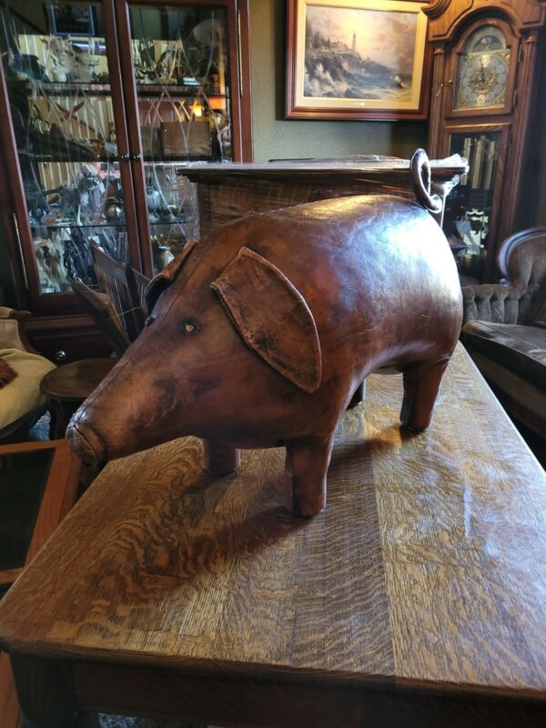 """Fantastic Omersa Leather Pig. Excellent Made for A and F. 1950s large 32x18x13"""""""