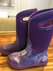 Girls purple floral Bogs Boots size 1