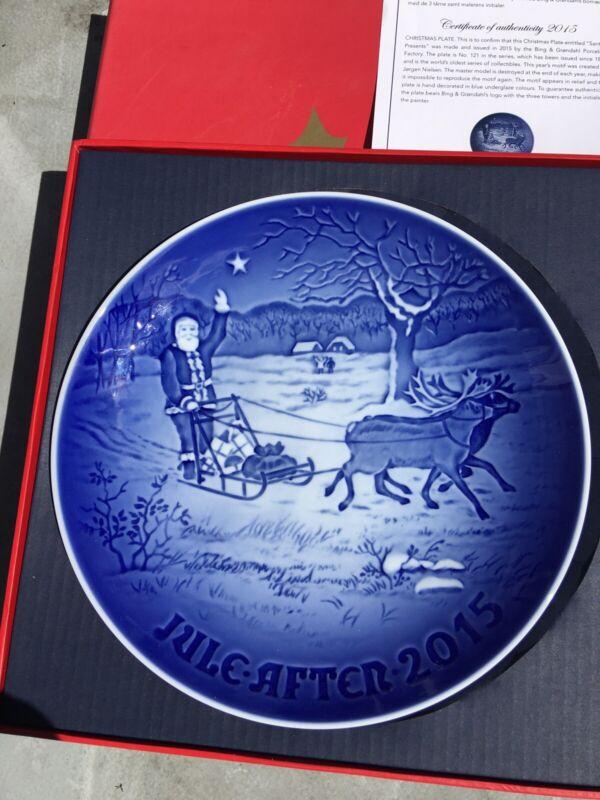 Bing & Grondahl 2015 Christmas Plate Santa's Presents NIB
