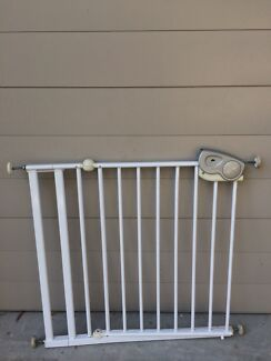 Safety first baby gate white