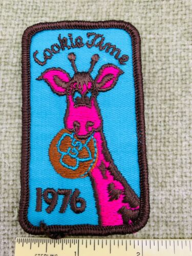 1976 Girl Scout Cookies Collectible Embroidered Patch