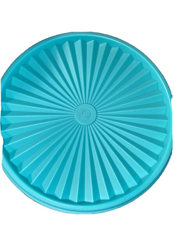 NEW Tupperware Servalier Airtight Stacking - Canister 8 Cups Teal BlueRETIRED