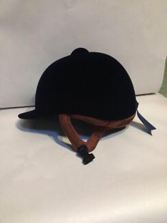 Velvet Helmet  IRH Navy Size 58  : 7/18 Central Mangrove Gosford Area Preview