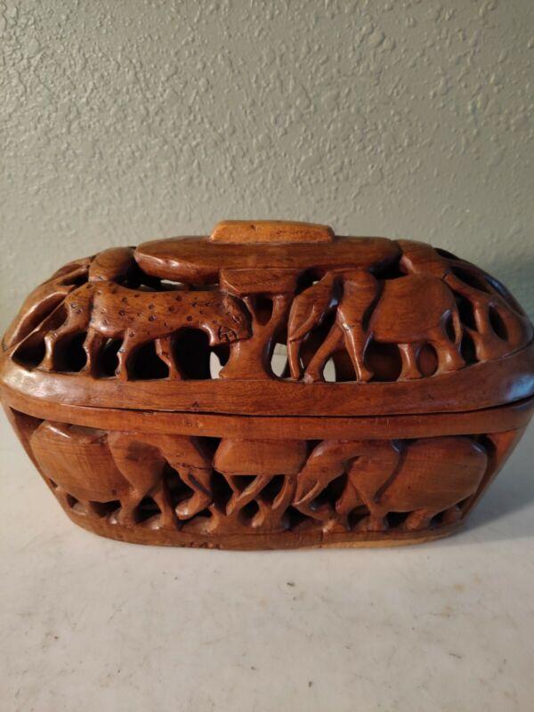 Beautiful VTG Olive Wood Carved African Animals Zimbabwe Oblong Basket w/ Lid