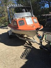 half cabin boat Bittern Mornington Peninsula Preview