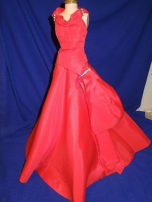 Vintage  Madame Alexander 1956 Cissy doll #2036 gown in red
