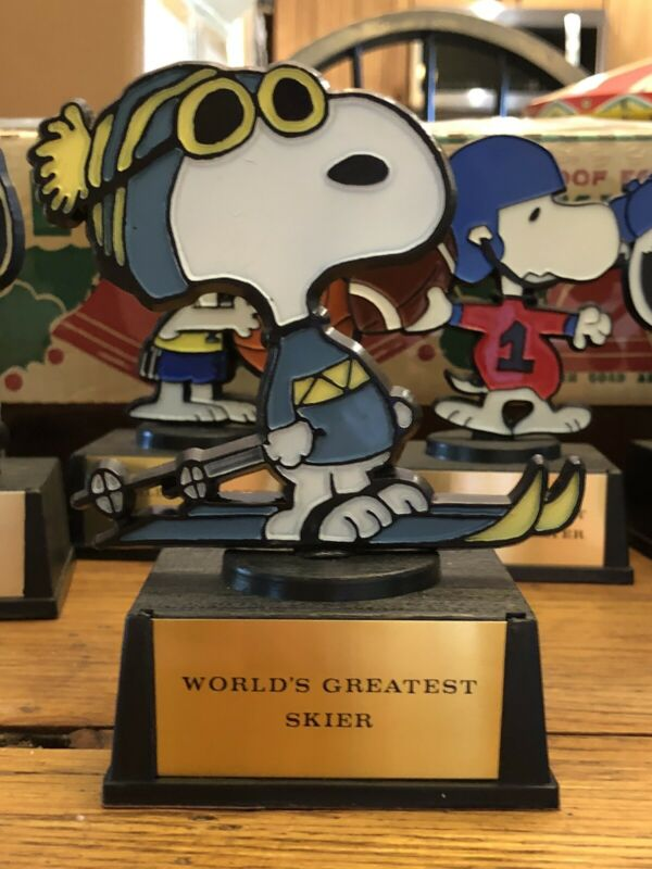 Vintage Snoopy Trophy Aviva World's Greatest Skier
