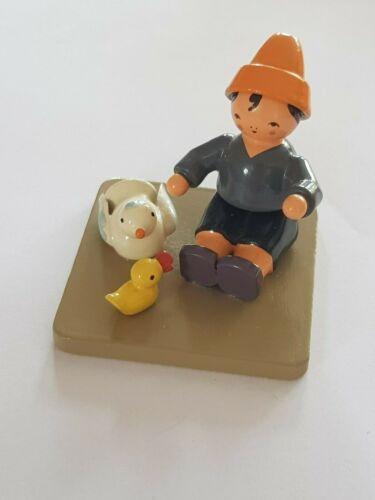 erzgebirgische Figur, Junge mit Vögeln, KWO