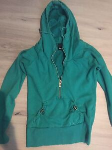 Bench Hoodie. Size Sm