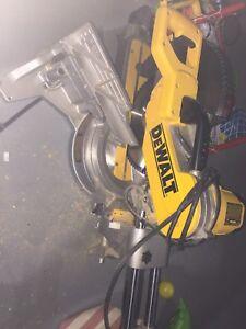 DWS782 DeWalt double miter saw
