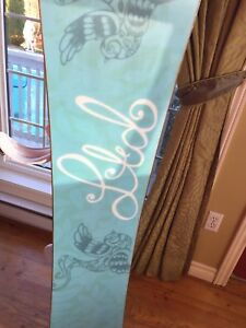 SNOWBOARD BARELY USED (Great Christmas Gift!)