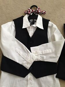 Kenneth Cole size 6 boy suite  Cambridge Kitchener Area image 1