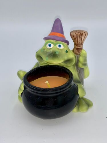 Wonderful Frog Witch With A Candle In The Cauldron - Votive - Russ NIB
