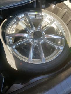 VE Commodore SSV wheel & tyre