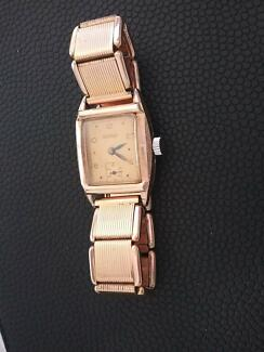 VINTAGE VICEROY WATCH 1940s? WORKING.