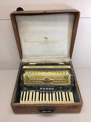 Barcarole Magister Accordion with case