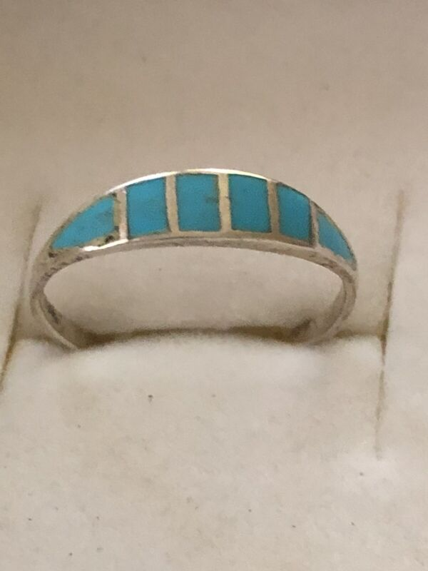 A Beautiful vintage Sterling Silver Band Ring W/Turquoise Stone Inlay Size 8.5