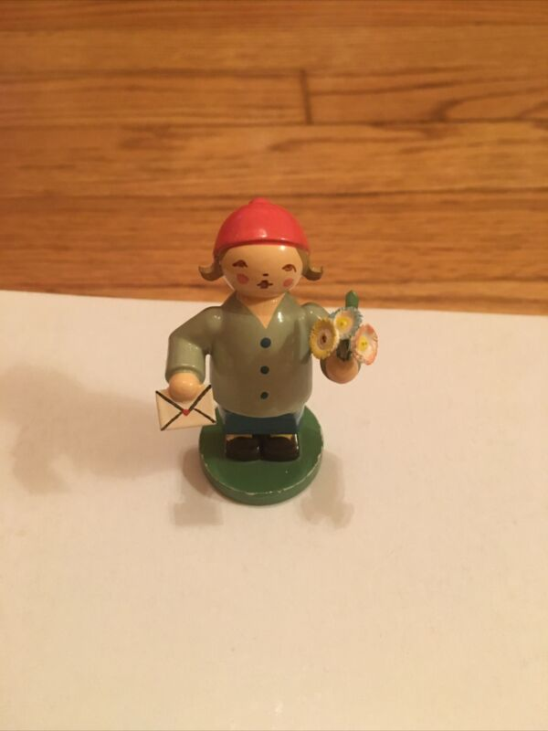 Erzgebirge Wendt & Kuhn Goodwill Boy with Letter