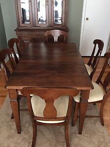 Lazy Boy Dining Room set with Hutch
