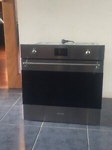 NEW SMEG SELF-CLEANING OVEN