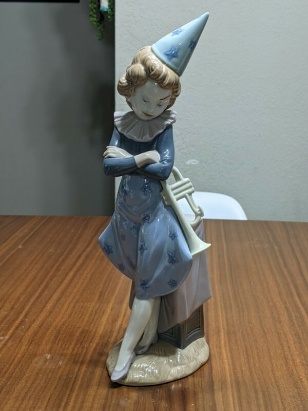 Lladro #5060 Clown with Trumpet,  Retired, Mint condition