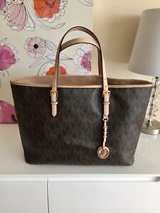 GENTLY USED AUTHENTIC MICHAEL KORS LOGO JET SET TOTE $50!